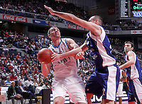 Real Madrid's Mirza Begic (l) and Mapooro Cantu's Marco Cusin during Euroleague 2012/2013 match.November 1,2012. (ALTERPHOTOS/Acero) /NortePhoto