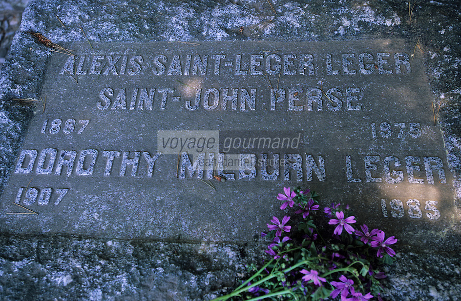 Europe/Provence-Alpes-Côte d'Azur/83/Var/Presqu'île de Giens: Au cimetière, la tombe de Saint-John Perse