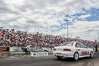 CURITIBA, PR, 14 DE DEZEMBRO 2013 –  FESTIVAL DE ARRANCADA FORÇA LIVRE - Acontece nesse sábado (14),  o terceiro dia da 20ª edição do festival de arrancada, no Autódromo Internacional de Curitiba (AIC),em Pinhais. Evento reúne cerca de 300 carros dividos em 19 categorias com participação de pilotos de todas as regiões do Brasil e também da América do Sul. Festival acontece até o próximo domingo (15). (FOTO: PAULO LISBOA  / BRAZIL PHOTO PRESS)