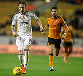 3rd November 2017, Molineux, Wolverhampton, England; EFL Championship football, Wolverhampton Wanderers versus Fulham; Stefan Johansen of Fulham runs into the danger area with the ball at his feet