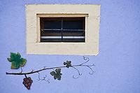 Europe/France/Alsace/68/Haut-Rhin/ Westhalten: Détail décoration d'une maison de vigneron