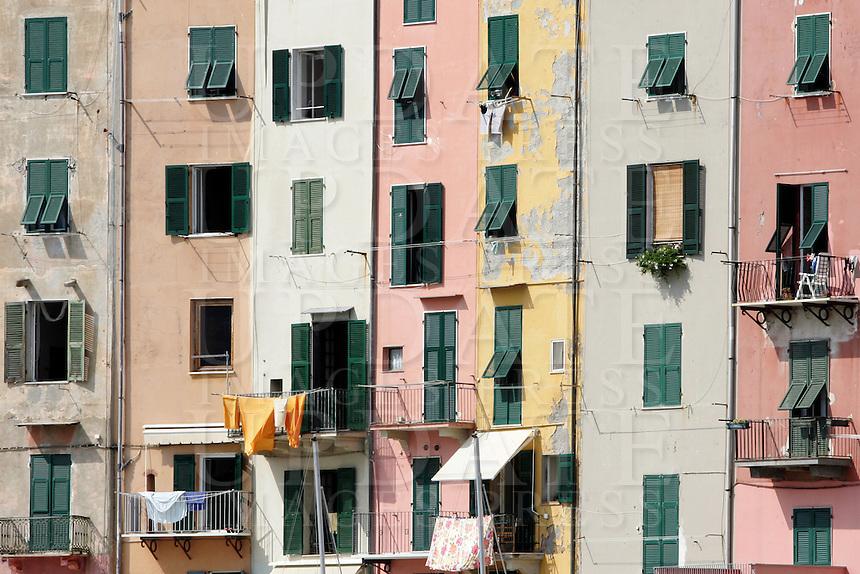Dettaglio dei caratteristici alti palazzi affacciati sul mare a Porto Venere.<br /> Detail of Porto Venere's typical tall houses.<br /> UPDATE IMAGES PRESS/Riccardo De Luca