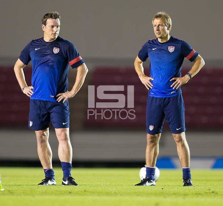 Panama City, Panama - Sunday, October 13, 2013: The US Men's National team training session at Estadio Rommel Fernandez.