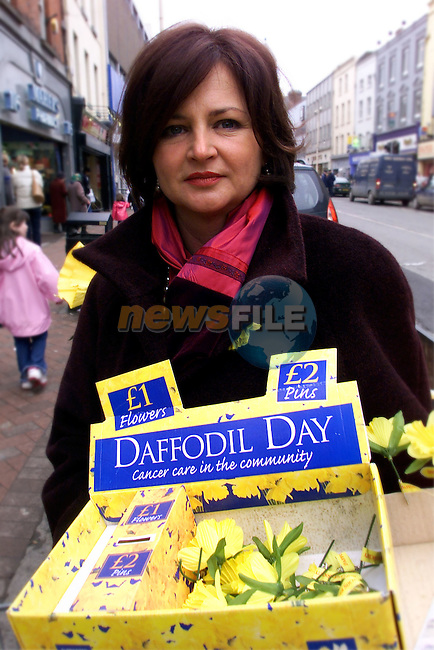 Michelle McCullough pictured selling some daffodils for cancer care in the community..pic:Arthur Carron/ Newsfile