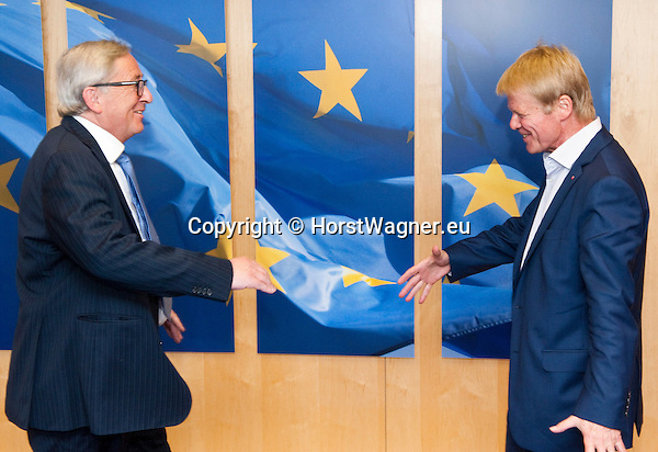 Belgium, Brussels - June 14, 2016 -- Jean-Claude JUNCKER (le), President of the European Commission, receives Reiner HOFFMANN (ri), President of the German Trade Union Confederation (DGB - Deutscher Gewerkschaftsbund) -- Photo © HorstWagner.eu
