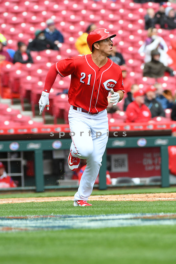 Cincinnati Reds Michael Lorenzen (21) during a game against the Philadelphia Phillies on April 6, 2017 at Great American Ballpark in Cincinnati, OH. The Reds beat the Phillies 4-7.