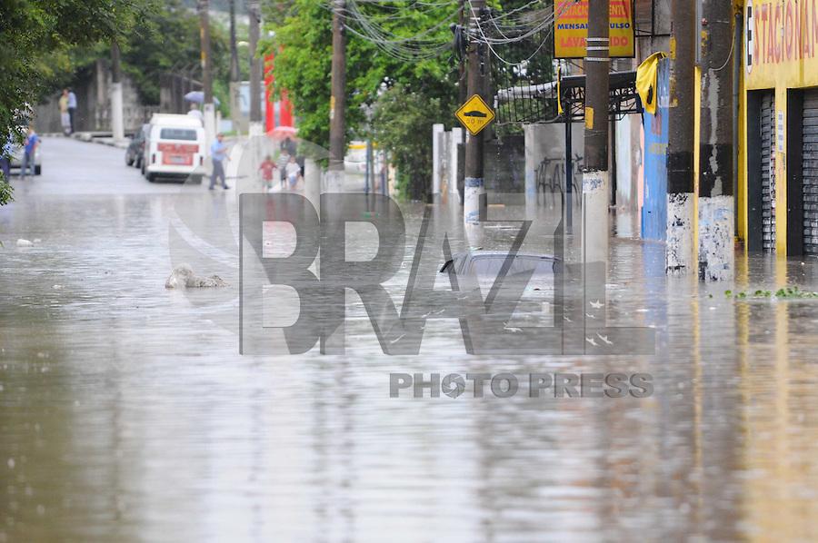 SAO BERNARDO DO CAMPO, SP, 17 Janeiro 2012 .AvDr Rudge Ramos.  .  (FOTO: ADRIANO LIMA - NEWS FREE)