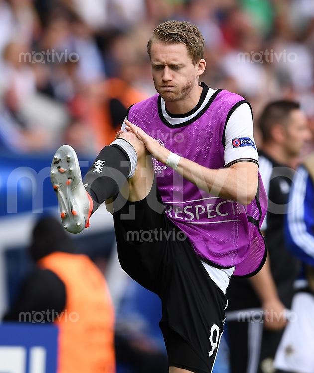 FUSSBALL EURO 2016 GRUPPE C IN PARIS Nordirland - Deutschland     21.06.2016 Andre Schuerrle (Deutschland) erwaermt sich an der Seitenlinie
