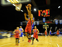 Action from the National Basketball League match between Wellington Saints and Canterbury Rams in Wellington, New Zealand on Saturday, 8 April 2017. Photo: Dave Lintott / lintottphoto.co.nz