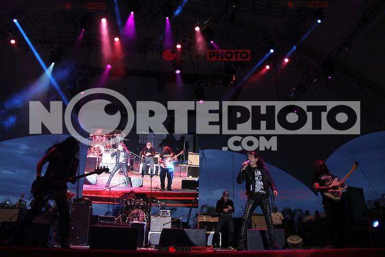 Alex Lora  del grupo mexicano de rock el TRI durante su  concierto en el Valeriana durante la Feria Internacional de Durango  2012.*Durango*.*2*Junio*2012*..(***Photo:©*C.Marquez***).