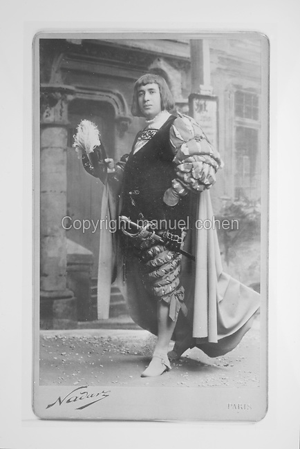 Portrait of Lucien Muratore, Marseillais tenor in the opera The Mastersingers of Nuremberg by Richard Wagner, photograph taken 1907 in the studio of Gaspard-Felix Tournachon, known as Nadar, 1820-1910. Copyright © Collection Particuliere Tropmi / Manuel Cohen