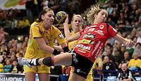EHF Champions League Handball Damen / Frauen / Women - HC Leipzig HCL : SD Itxako Estella (spain) - Arena Leipzig - Gruppenphase Champions League - im Bild: Luisa Schulze voll dabei. Foto: Norman Rembarz .