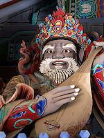 Himmelskönig, Buddhistischer Tempel Sinheungsa im Nationalpark Seoraksan bei Sokcho, Provinz Gangwon, Südkorea, Asien, UNESCO-Biosphärenreservat<br /> Heavenly king, buddhistic temple Sinheungsa in , Seoraksan National Park Sokcho, province Gangwon, South Korea, Asia, UNESCO Biosphere reserve