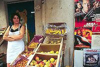 - fruit and vegetables shop in Corleone (Palermo)....- bottega di frutta e verdura a Corleone (Palermo)