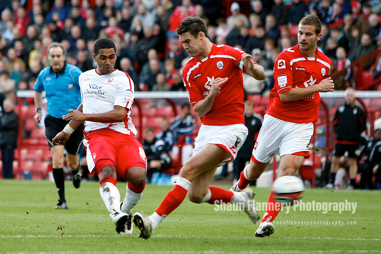 Barnsley v Nottingham Forest..NPower Championship,  16.10.2010.Pic: Shaun Flannery.© Trevor Smith, Chesterfield.     01246 567891/07831 870159       email: admin@trevorsmithphotography.com..Forest's Lewis McGugan score the first goal.