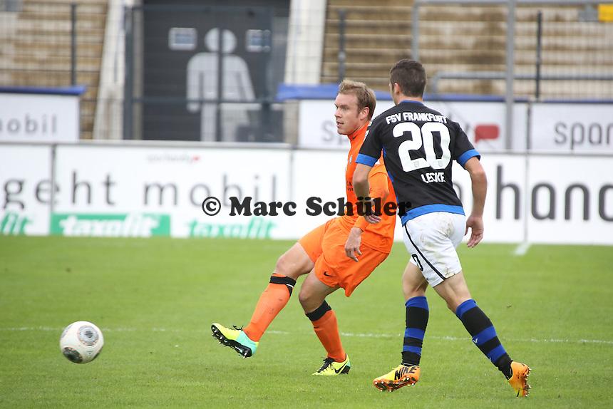 Oliver Schröder (Aue) gegen Mahew Leckie (FSV)t- FSV Frankfurt vs. FC Erzgebirge Aue, Frankfurter Volksbank Stadion