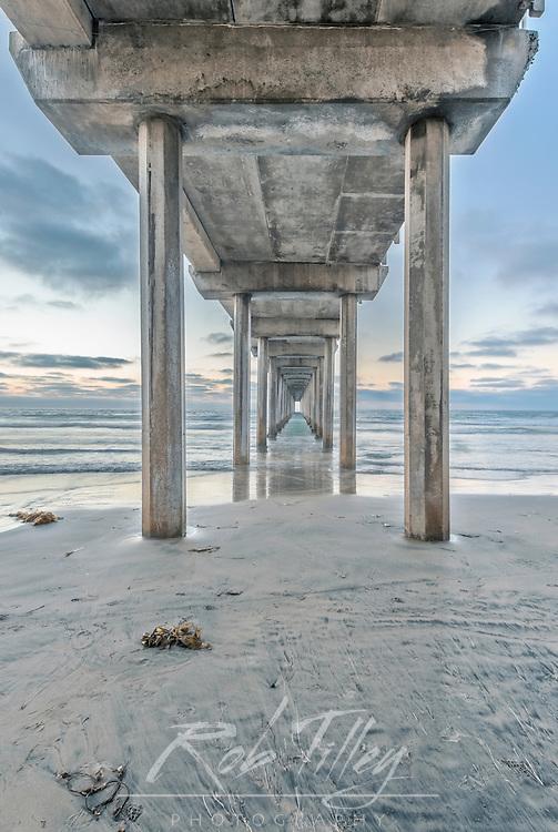 USA, CA, La Jolla, Under the  Pier