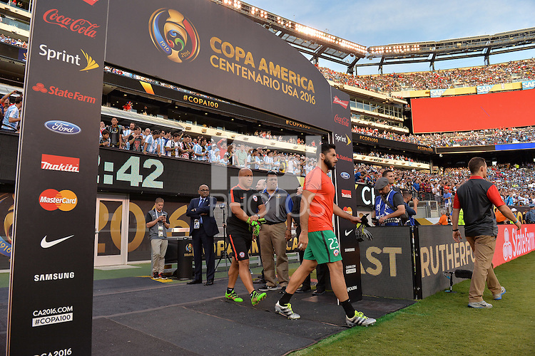 East Rutherford, NJ - Sunday June 26, 2016: Johnny Herrera prior to a Copa America Centenario finals match between Argentina (ARG) and Chile (CHI) at MetLife Stadium.