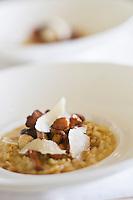 Europe/France/Rhône-Alpes/74/Haute-Savoie/Évian-les-Bains:   Risotto Carnaroli aux champignons du marché, et parmesan, recette de  Patrice Vander  chef des restaurants de Hôtel: Evian Royal Resort