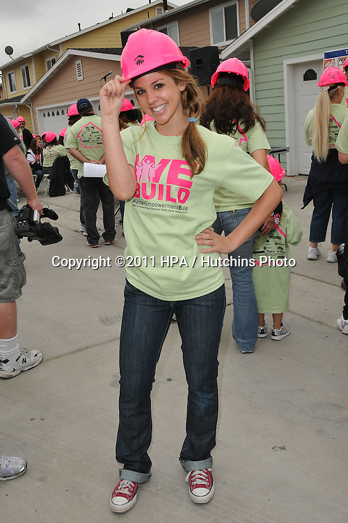 LOS ANGELES - MAY 14:  Kate Mansi at the Habitat for Humanity Women's Empowerment Build at Carl Street on May 14, 2011 in Pacoima, CA