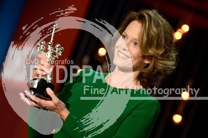 Sigourney Weaver receives the Donostia Award for her contribution to the cinema at the 64th San Sebastian Film Festival on September 21, 2016 in San Sebastian, Spain.