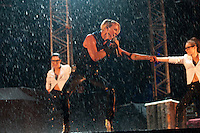 Kare Ryan in the rain. Photo: Patrick Tollgren Lazarov / Scouterna