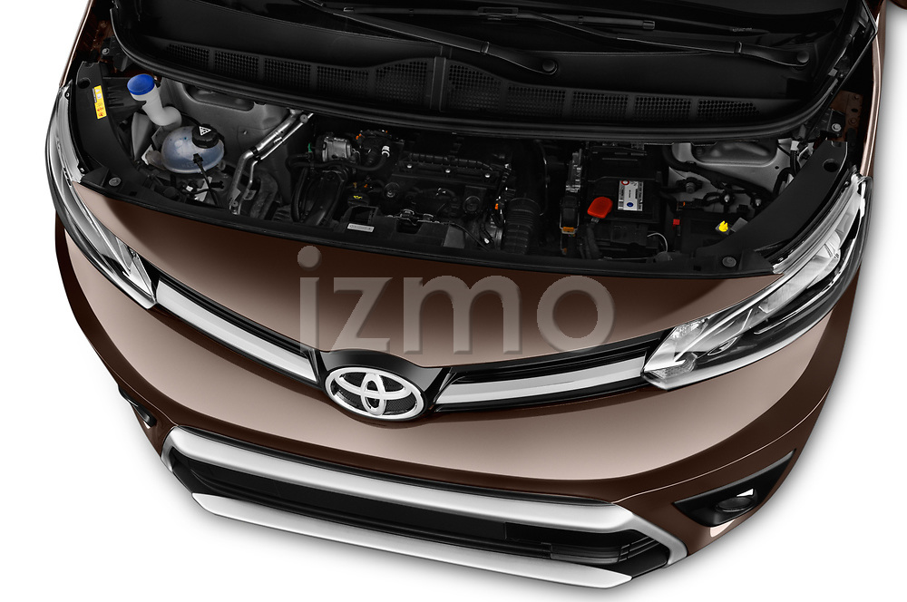 Car Stock 2018 Toyota Proace-Verso MPV 5 Door Minivan Engine  high angle detail view