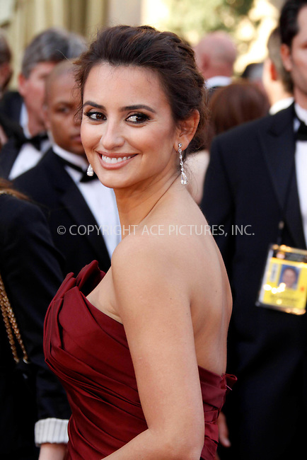 WWW.ACEPIXS.COM . . . . .  ....March 7 2010, Hollywood, CA....Penelope Cruz at the 82nd Annual Academy Awards held at Kodak Theatre on March 7, 2010 in Hollywood, California.....Please byline: Z10-ACE PICTURES... . . . .  ....Ace Pictures, Inc:  ..Tel: (212) 243-8787..e-mail: info@acepixs.com..web: http://www.acepixs.com