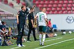 Einwechslung Ludwig Augustinsson (Werder Bremen #05), Florian Kohfeldt (Trainer SV Werder Bremen)<br /> <br /> <br /> Sport: nphgm001: Fussball: 1. Bundesliga: Saison 19/20: 33. Spieltag: 1. FSV Mainz 05 vs SV Werder Bremen 20.06.2020<br /> <br /> Foto: gumzmedia/nordphoto/POOL <br /> <br /> DFL regulations prohibit any use of photographs as image sequences and/or quasi-video.<br /> EDITORIAL USE ONLY<br /> National and international News-Agencies OUT.