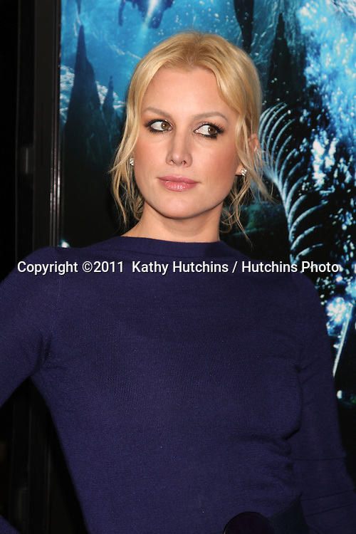 """LOS ANGELES - JAN 31:  Alice Evans arrives at the """"Sanctum"""" Premiere at Mann's Chinese 6 Theaters on January 31, 2011 in Los Angeles, CA"""
