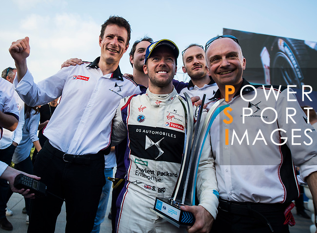 Sam Bird of Great Britain from DS Virgin Racing celebrates with his crew after winning the FIA Formula E Hong Kong E-Prix Round 1 at the Central Harbourfront Circuit on 02 December 2017 in Hong Kong, Hong Kong. Photo by Marcio Rodrigo Machado / Power Sport Images