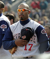 April 10, 2004:  Noah Hall (17) of the Syracuse Sky Chiefs, Class-AAA International League affiliate of the Toronto Blue Jays, during a game at Frontier Field in Rochester, NY.  Photo by:  Mike Janes/Four Seam Images