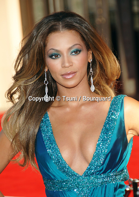 Beyonce Knowles arriving at American Music Awards ( AMA ) at the Shrine Auditorium in Los Angeles.<br /> <br /> headshot