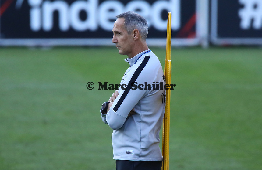 Trainer Adi Hütter (Eintracht Frankfurt) - 10.10.2018: Eintracht Frankfurt Training, Commerzbank Arena, DISCLAIMER: DFL regulations prohibit any use of photographs as image sequences and/or quasi-video.