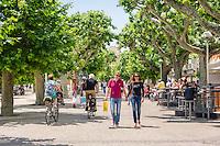 France, Provence-Alpes-Côte d'Azur, Cannes: walk at Promenade de la Pantiero   Frankreich, Provence-Alpes-Côte d'Azur, Cannes: Stadtbummel auf der Promenade de la Pantiero