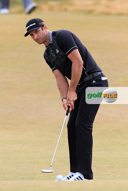 Dustin JOHNSON (USA) putts on the 17th green during Thursday's Round 1 of the 2015 U.S. Open 115th National Championship held at Chambers Bay, Seattle, Washington, USA. 6/18/2015.<br /> Picture: Golffile | Eoin Clarke<br /> <br /> <br /> <br /> <br /> All photo usage must carry mandatory copyright credit (&copy; Golffile | Eoin Clarke)