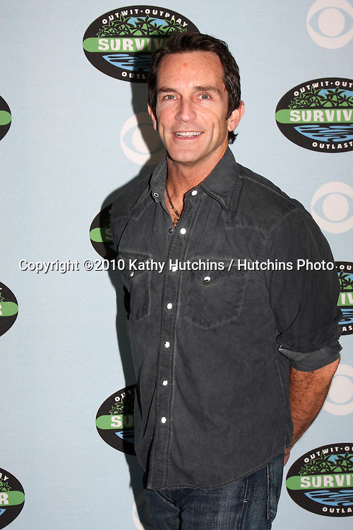 "Jeff Probst.arrivng at the ""Survivor"" 10 Year Anniverary Party .CBS Television CIty.Los Angeles, CA.January 9, 2010.©2010 Kathy Hutchins / Hutchins Photo...."