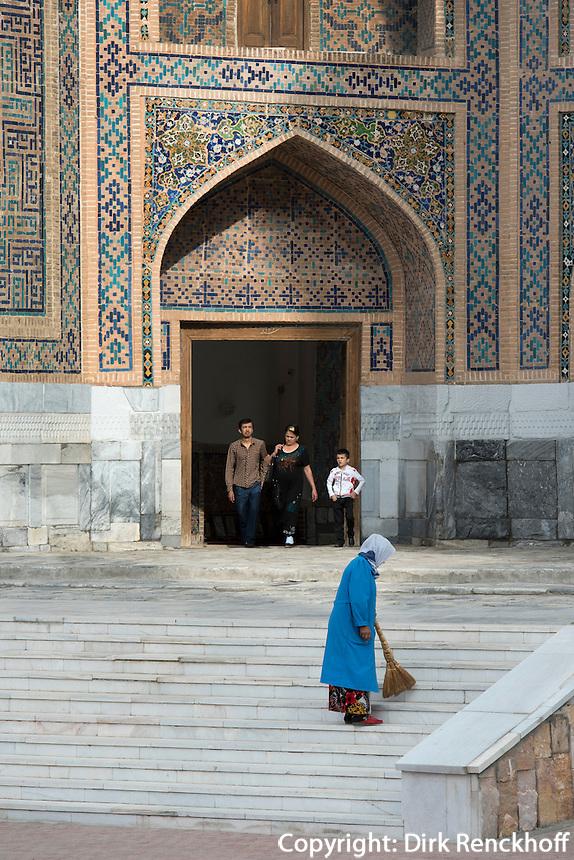 Tilla Kori Medrese am Registan, Samarkand, Usbekistan, Asien, UNESCO-Weltkulturerbe<br /> Tilla Kori Madrassa at Registan Square, Samarkand,  Uzbekistan, Asia, UNESCO heritage site