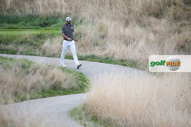 Dustin Johnson (Team USA) heads to the 8th during Friday's Fourballs, at the Ryder Cup, Le Golf National, Îls-de-France, France. 28/09/2018.<br /> Picture David Lloyd / Golffile.ie<br /> <br /> All photo usage must carry mandatory copyright credit (© Golffile | David Lloyd)