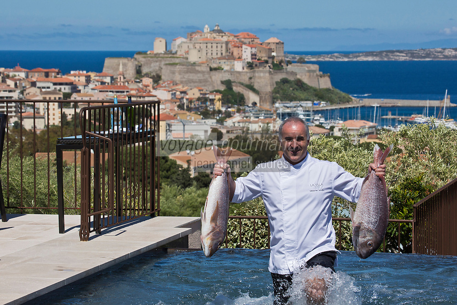 Europe/France/2B/Haute Corse/Balagne/Calvi: Sébastien Sevellec chef du  restaurant : La Table de Bastien à la Villa avec deux denti<br />  [Non destiné à un usage publicitaire - Not intended for an advertising use]