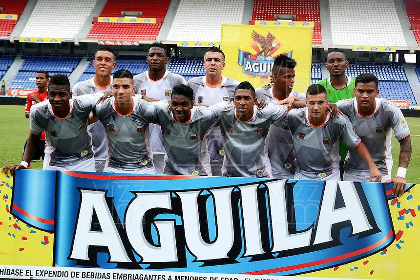 BARRANQUIILLA -COLOMBIA-09-08-2015. Jugadores Envigado FC posan para una foto previo al encuentro con Uniauntónoma por la fecha 5 de la Liga Aguila II 2015 jugado en el estadio Metropolitano de la ciudad de Barranquilla./ Players of Envigado FC pose to a photo prior the matcha against Uniautonoma for the 5th date of the Aguila League II 2015 played at Metropolitano stadium in Barranquilla city.  Photo: VizzorImage/ Alfonso Cervantes /
