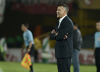 BOGOTÁ -COLOMBIA, 28-11-2013. Juan Carlos Osorio técnico del Atlético Nacional gesticula durante partido  por la fecha 12 de la Liga Postobon II 2013 disputado en el estadio el Campín de la ciudad de Bogotá./ Atletico Nacional coach Juan Carlos Osorio gestures during match against Independiente Santa Fe for the first date of final quadrangulars of the Postobon  League II 2013 played at Nemesio Camacho El Campin stadium in Bogotá city. Photo: VizzorImage/ Gabriel Aponte /