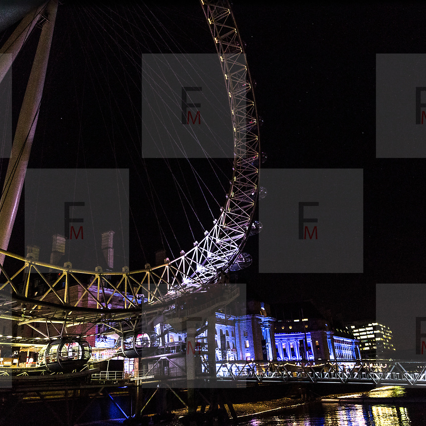 Lumiere London: il festival delle intallazioni luminose edizione 2018<br /> <br /> Lumiere London: the festival of the artwork  light 2018 edition.<br /> <br /> #6d, #photooftheday #picoftheday #bestoftheday #instadaily #instagood #follow #followme #nofilter #everydayuk #canon #buenavistaphoto #photojournalism #flaviogilardoni <br /> <br /> #london #uk #greaterlondon #londoncity #centrallondon #cityoflondon #londontaxi #londonuk #visitlondon<br /> <br /> #photo #photography #photooftheday #photos #photographer #photograph #photoofday #streetphoto #photonews #amazingphoto #blackandwhitephoto #dailyphoto #funnyphoto #goodphoto #myphoto #photoftheday #photogalleries #photojournalist #photolibrary #photoreportage #pressphoto #stockphoto #todaysphoto #urbanphoto<br /> <br /> #lumierelondon #light #festival #lightfestival<br /> #westminster #victoria