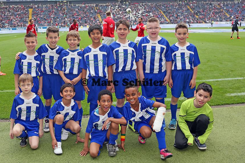 F2-Jugend der SKV Mörfelden als Einlaufkinder in der Commerzbank Arena - Eintracht Frankfurt vs. 1. FSV Mainz 05
