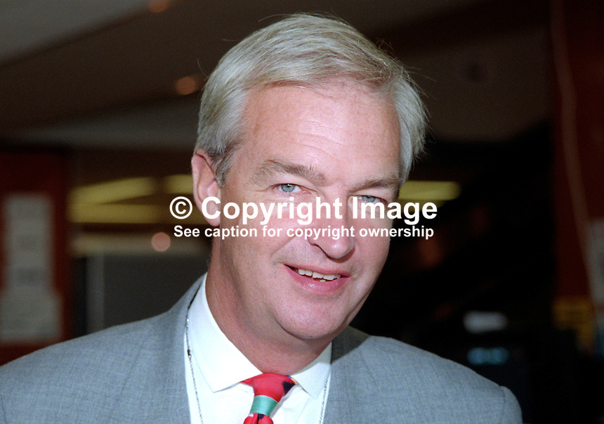 Jon Snow, ITN, Broadcaster, journalist, Britain, UK, Labour Party, Annual Conference, 199710040.<br />