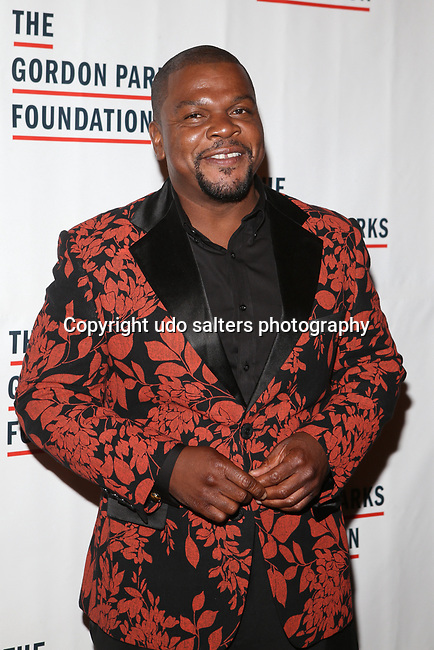 Visual Artist Kehinde Wiley attends THE GORDON PARKS FOUNDATION HONORS CONGRESSMAN JOHN LEWIS, MAVIS STAPLES,<br /> ALEXANDER SOROS, JON BATISTE AND KENNETH &amp; KATHRYN CHENAULT<br /> AT 2017 AWARDS DINNER &amp; AUCTION HELD AT Cipriani 42nd Street