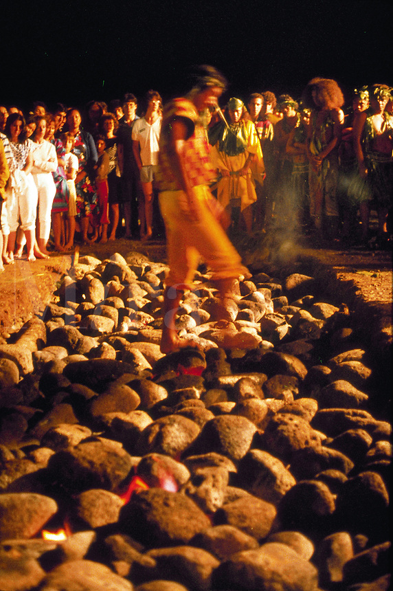 Fire walker, Tahiti