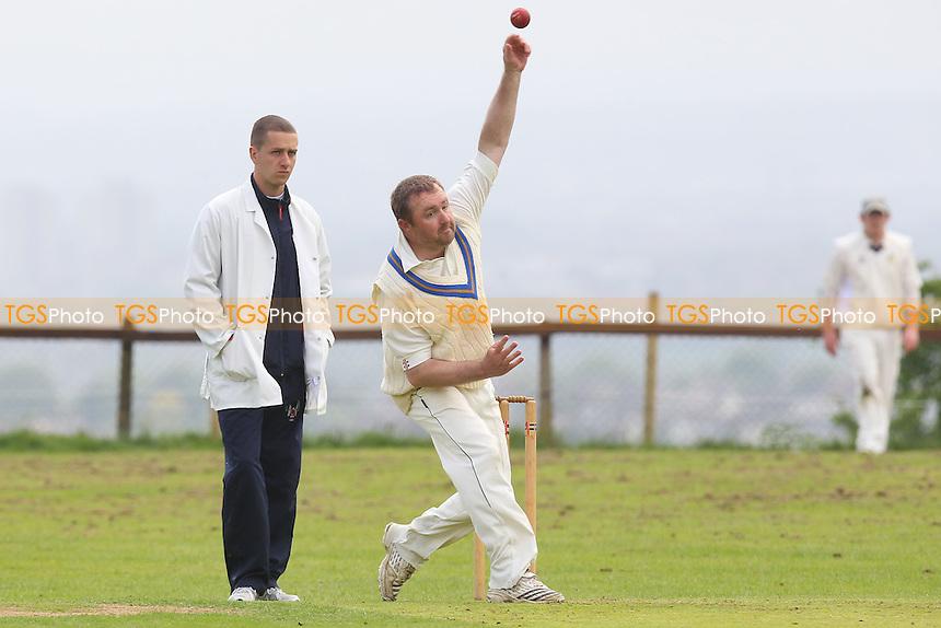 Havering-atte-Bower CC vs Bentley CC - Mid-Essex Cricket League - 01/06/13 - MANDATORY CREDIT: Gavin Ellis/TGSPHOTO - Self billing applies where appropriate - 0845 094 6026 - contact@tgsphoto.co.uk - NO UNPAID USE