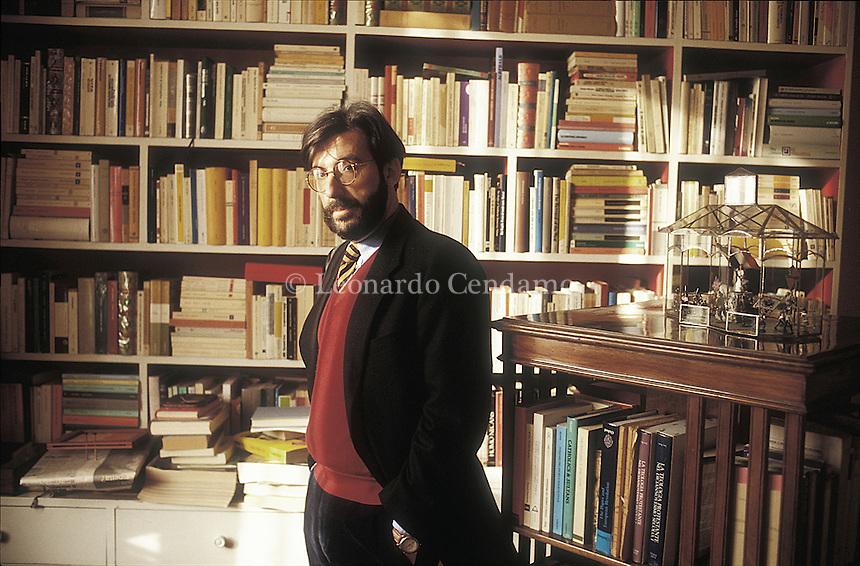 Rome, Italy, 1999. Ernesto Galli della Loggia, writer, journalist, and leader writer of \'Il Corriere della Sera\'. © Leonardo Cendamo