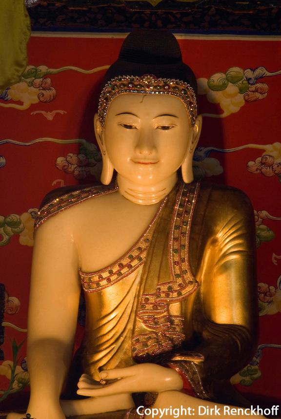 Jadebuddha in runder Stadt (Tuan Cheng) im Beihai-Park in Peking (Beijing), China